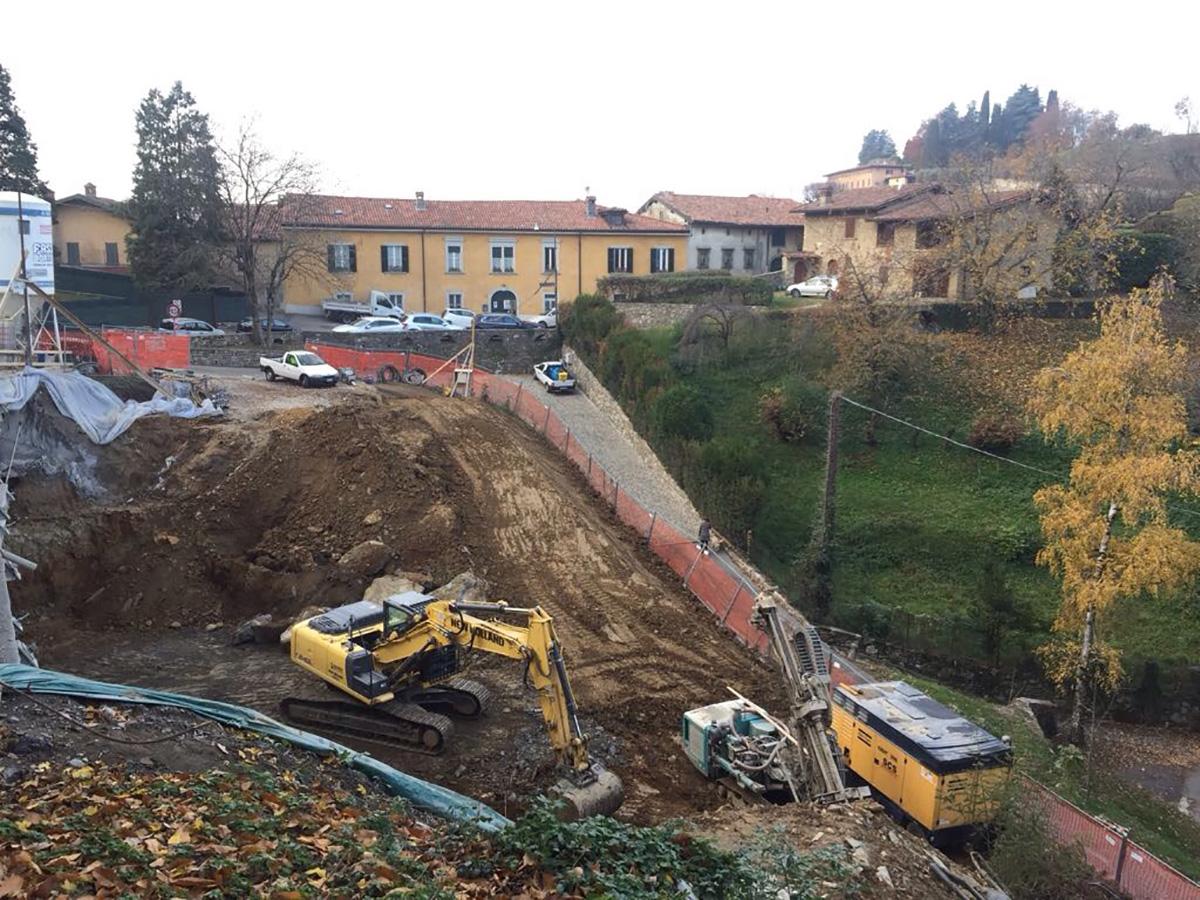 Bergamo, Città Alta – Via Vetta – Autorimessa privata interrata 14