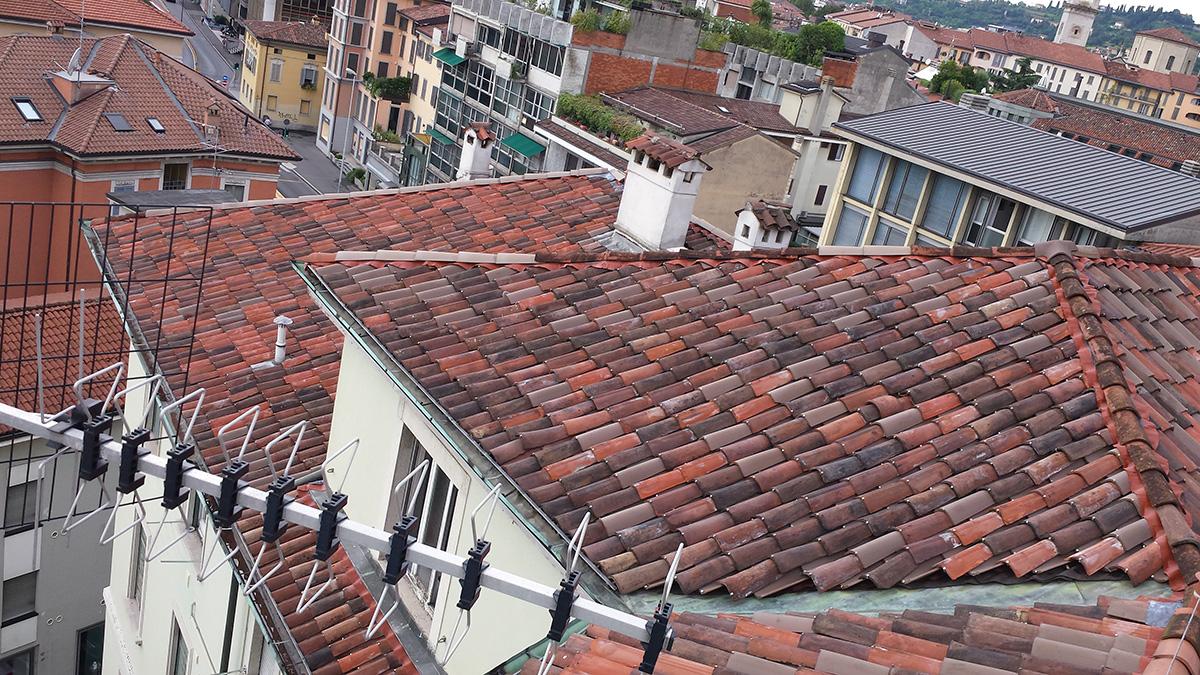 Bergamo – Via Tiraboschi – Risanamento facciate e copertura